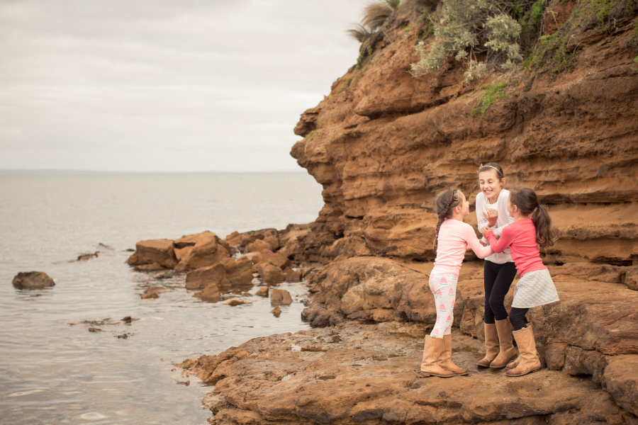 lifestyle-family-photography-beaumaris-bayside-melbourne-beach-sisters