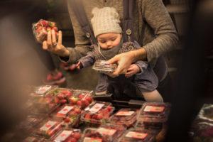 family-baby-photojournalism-documentation-natural-12