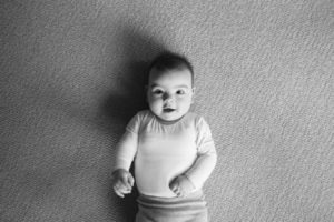 family-baby-photojournalism-documentation-natural-16