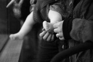 family-baby-photojournalism-documentation-natural-9