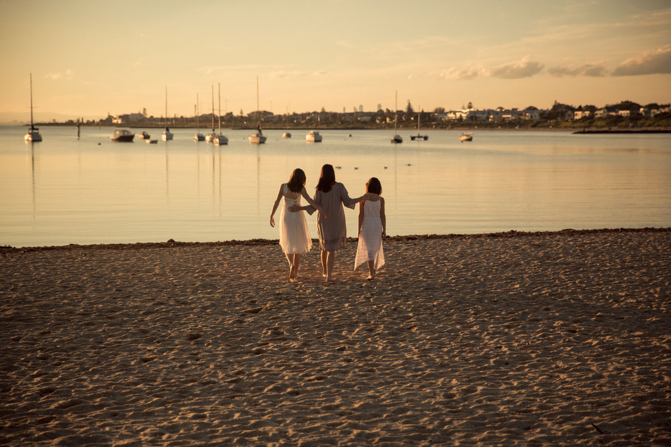 family-photographer-hampton-lifestyle-beach-sunset-81