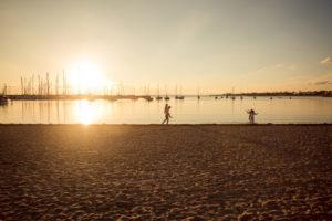family-photographer-hampton-lifestyle-beach-sunset-91