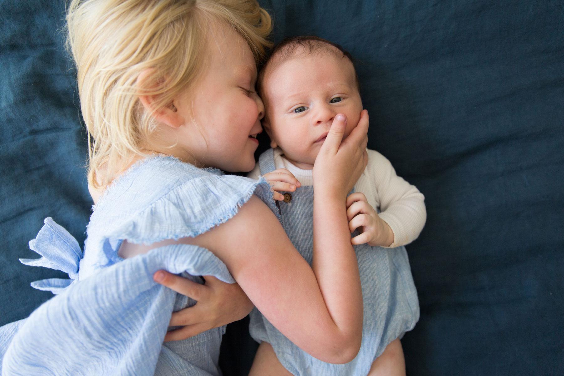 newborn-family-photography-home-18