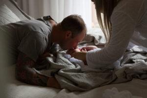 newborn-family-photography-home-54