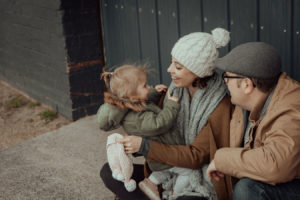 beaumaris-family-portrait-beach-candid-52