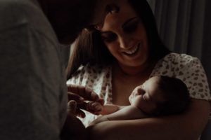 newborn-family-session-at-home-44